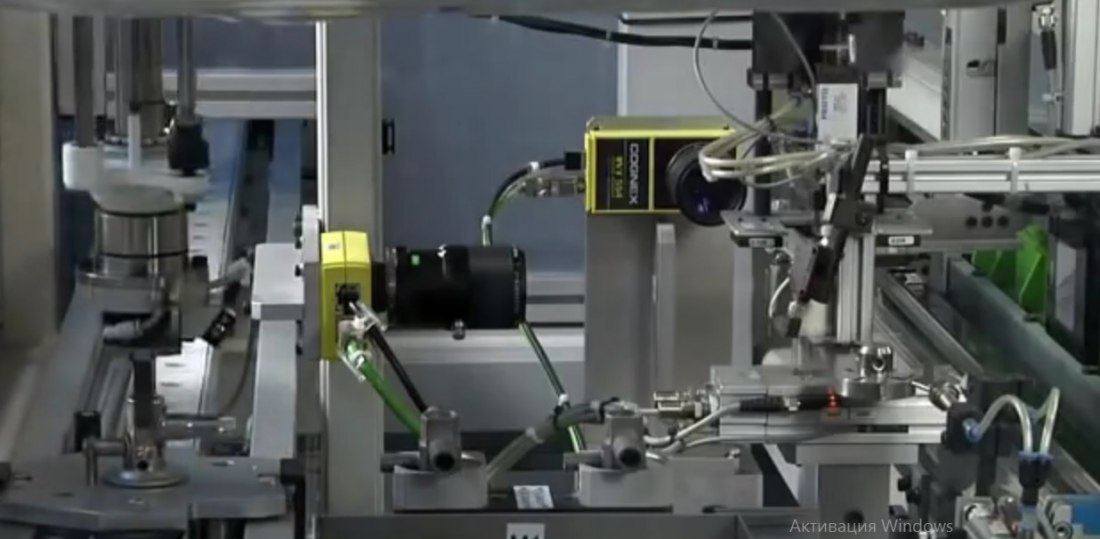 Robotized thermostatic valve production